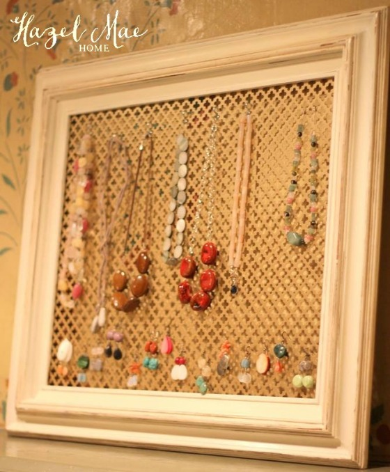 JewelryDisplay1